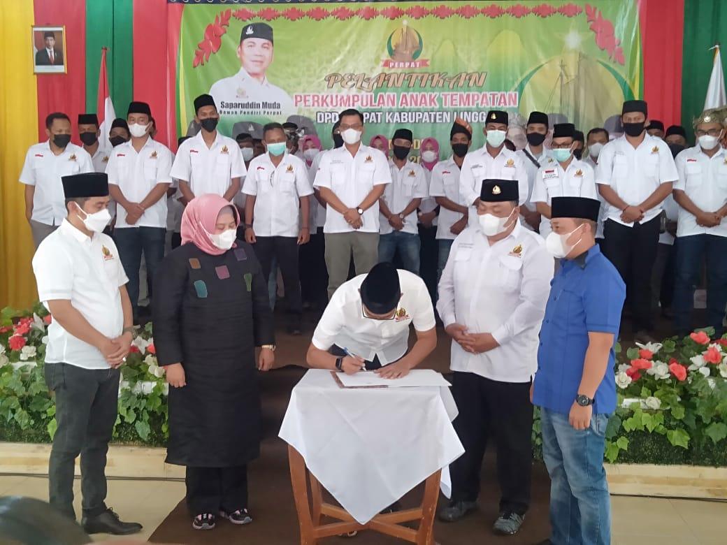 Dihadiri Wagub Kepri dan Bupati Lingga, Encik Kasumaridha Dilantik Sebagai Ketua DPD Perpat Kabupaten Lingga