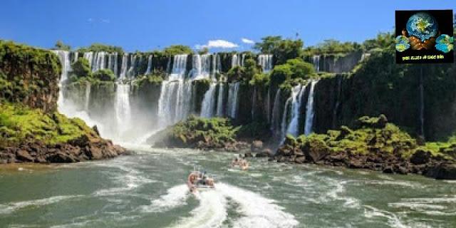 06. ඉගුසු දියඇල්ල, බ්රසීලය සහ ආජෙන්ටිනාව අතර දේශසීමාව ( Iguazu Falls, Border Between Brazil and Argentina )