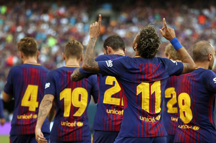 New fc barcelona 17 18 home kit numbers on pitch debut - New home barcelona ...