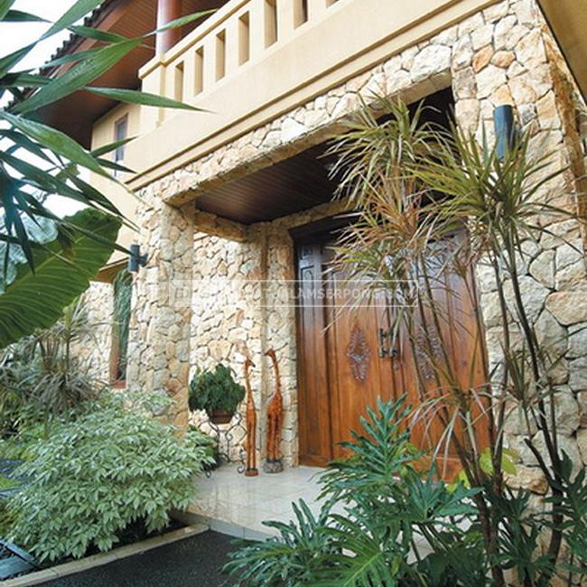 pilar batu alam palimanan