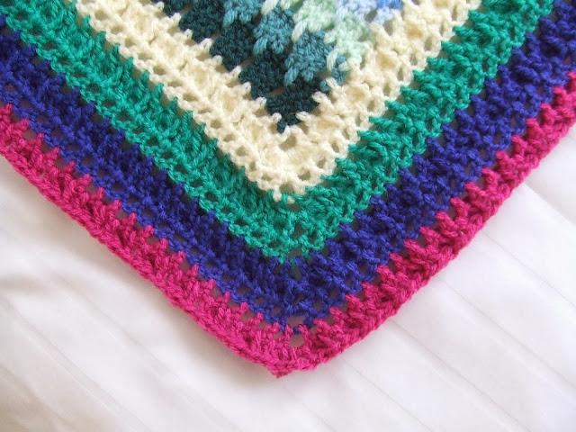 My world of crochet: Tadaaaah: Die Larksfoot-Decke ist fertig!!!
