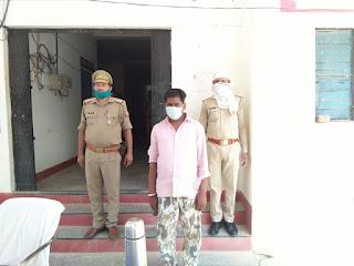 जालौन पुलिस द्वारा अवैध शराब के साथ अभियुक्त गिरफ्तार                                                                                                                                                                                                                                                                                     संवाददाता, Journalist Anil Prabhakar.                 www.upviral24.in