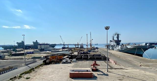 Due ammiraglie nel Porto Commerciale di Augusta