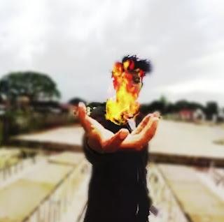 cara membuat efek api di tangan,efek bola api,cara membuat efek terbakar di photoshop,manusia api di dunia nyata,tulisan api a sampai z,efek api after effect,cara membuat efek api di tangan picsart,gambar manusia air