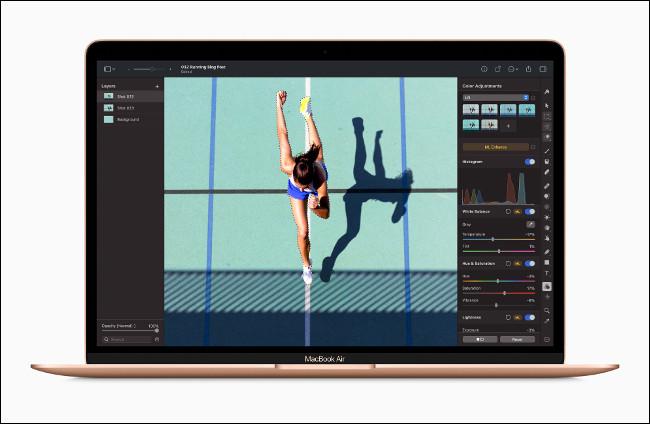 صورة في Adobe Lightroom على جهاز Apple MacBook Air مع M1.