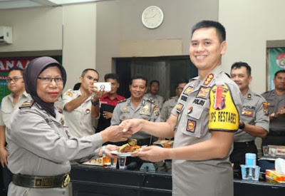 Kombes Pol Dr Dadang Hartanto SH SIK MSi Laksanakan Syukuran SDM Polri ke-68