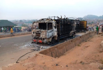 Angry Mob Set Truck Filled With Cows On Fire Over Death Of Young Boy In Oyo (Photos)