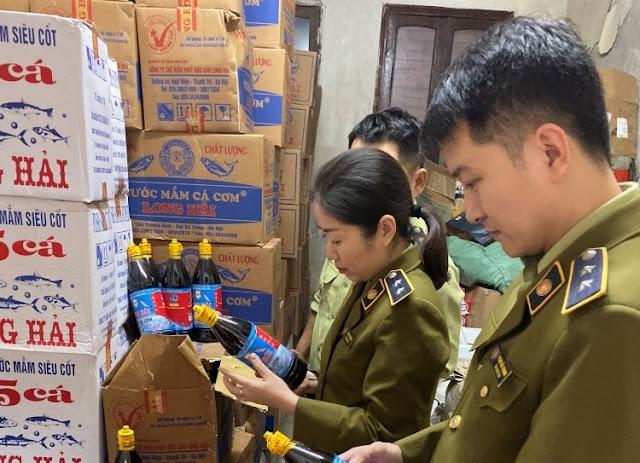 Hơn 3.000 chai nước mắm giả: Công ty Long Hải nói do 'lỗi sản xuất'