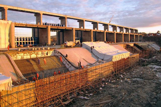 Muchos de los grandes proyectos de infraestructura requieren de la inversión extranjera directa.Banco Mundial/Shynar Jetpissova