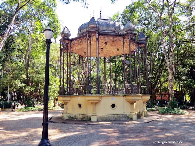 Vista ampla do Coreto do Parque Jardim da Luz - Luz - São Paulo