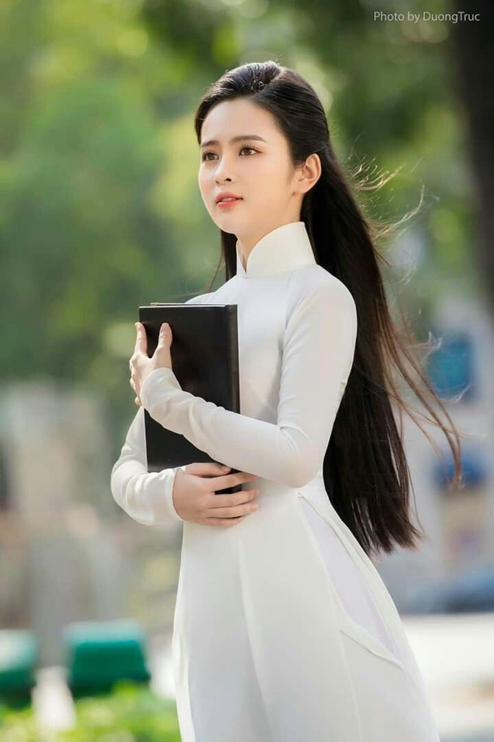 Hoa khôi 10X trong loạt ảnh áo dài trắng thanh khiết nền nã đẹp mê hồn 3