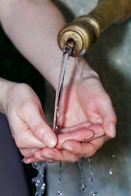 через немытые руки в организм человека попадают возбудители таких страшных заболеваний, как холера, вирусная пневмония, гепатит, грипп и ОРВИ