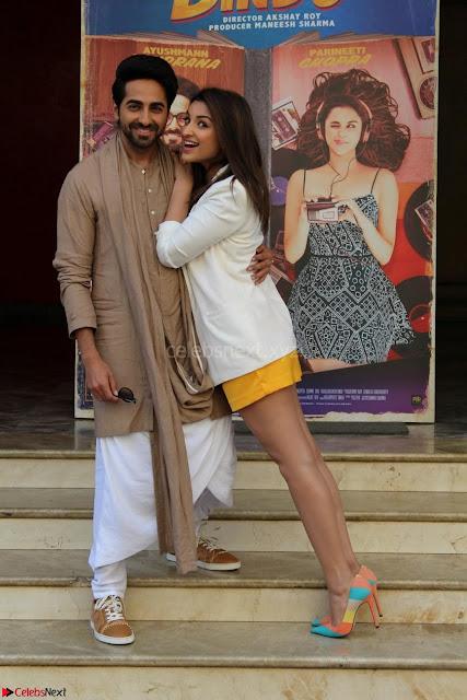 Parineeti Chopra with Ayushmann Khurrana at the Launch of Trailer of Meri Pyaari Bindu 005.JPG