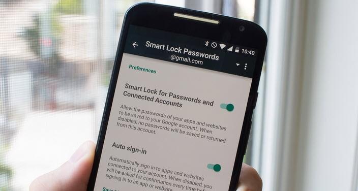 كيفية ملء كلمات السر على هاتف أندرويد الخاص بك