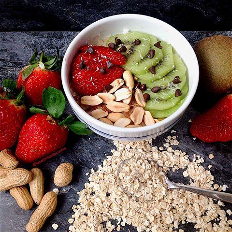 Resultado de imagem para frutas com aveia