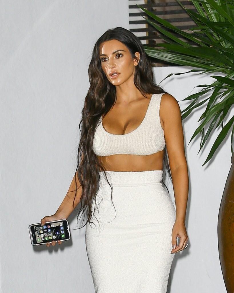Kim Kardashian Out for Dinner in Miami