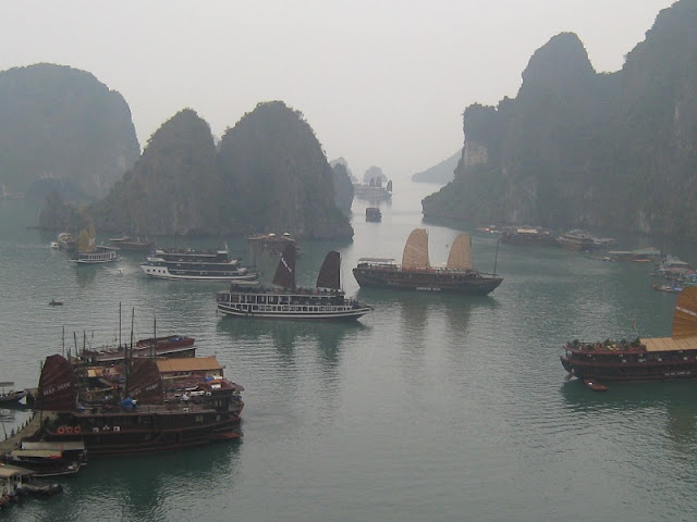 The Best Halong Bay Climate for Travelling 4