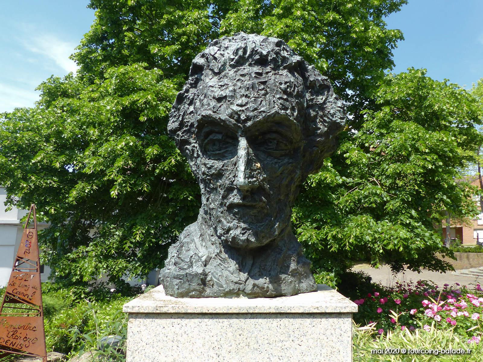 Statue Maxence Van der Meersch, Wasquehal 2020