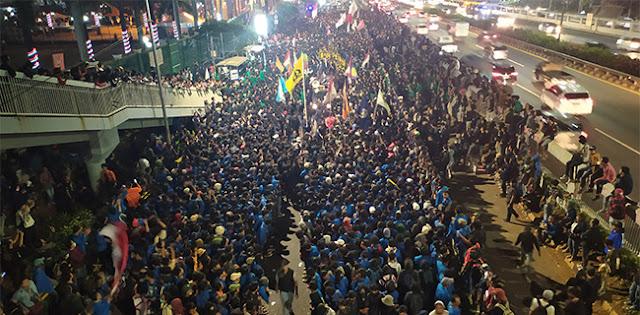 Aksi Mahasiswa Dan Anak STM: Unjuk Rasa Akan Berlarut Seperti Hongkong?
