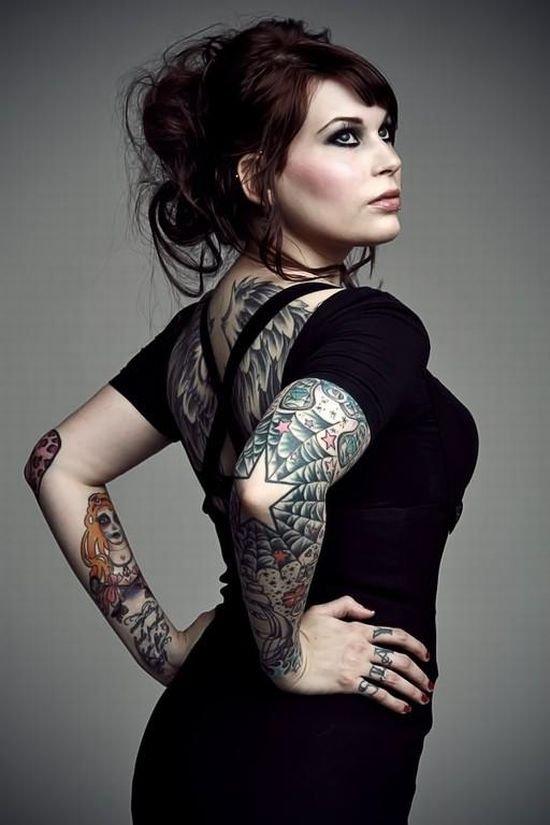 Hot Tattoos On Women 78