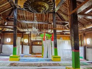 Masjid Wapauwe Maluku Tengah