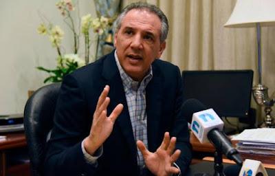 Ministro Administrativo de la Presidencia manifestó que los precandidatos presidenciales de la tendencia del presidente Danilo Medina  serán medidos con el fin de lograr una figura potable