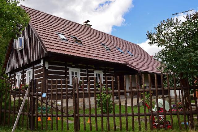 Mala Skala skalne miasto-zabytkowy dom
