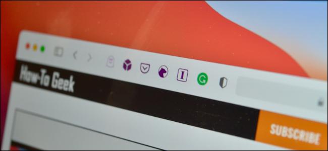 مستخدم Safari على جهاز Mac باستخدام الامتدادات