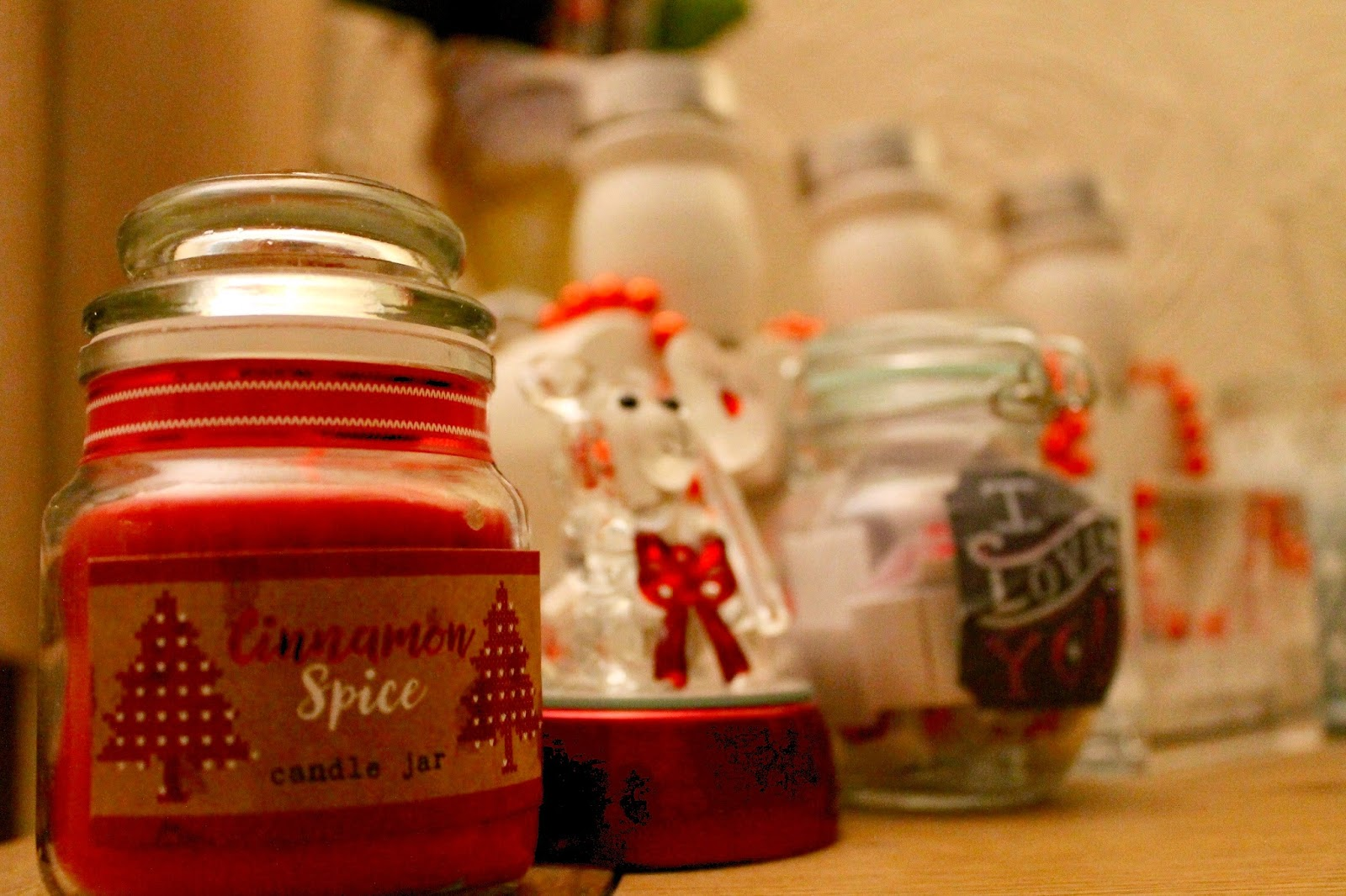 Cinnamon Spiced Festive Red Candle