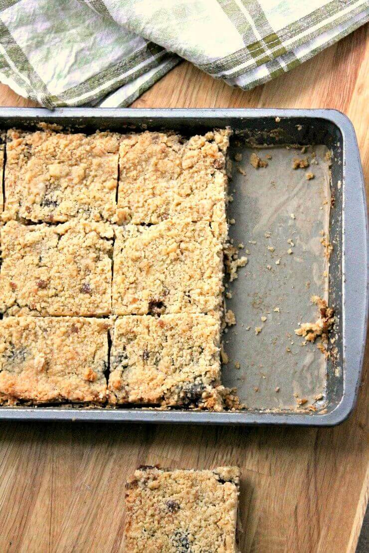 Mincemeat Crumble Slices