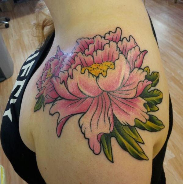 977125cae ... beautiful Chrysanthemum tattoo on the shoulder of this girl. Flower  Tattoos