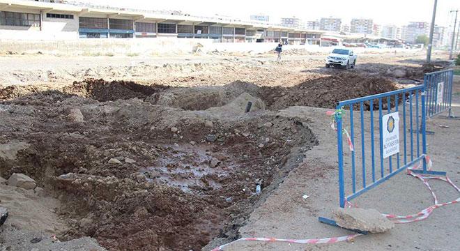 Diyarbakır'da yol yapım çalışmasında doğal gaz borusu patladı