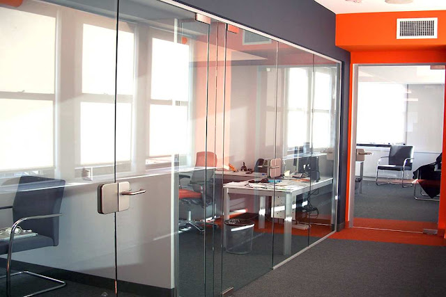 Luxurious glass office partition