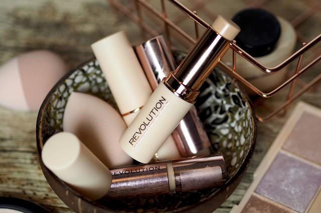 Makeup Revolution Fast Base Foundation stick