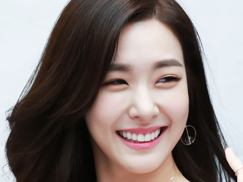 Smile Sweety Tiffany Young