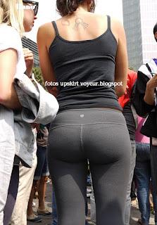 Chicas calzas calle