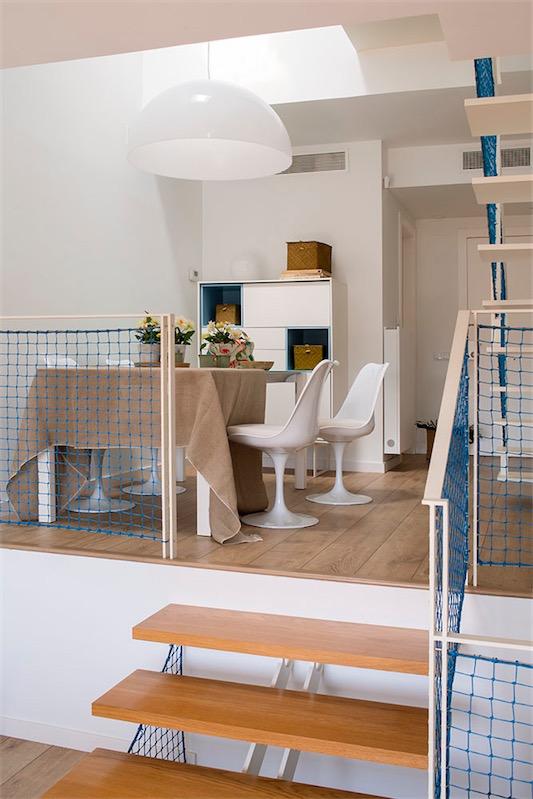 mesa comedor con sillas tulip blancas chicanddeco