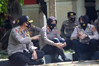 Disela Aksi Damai Ormas di Gedung DPRD, Kapolres Bone Luangkan Waktu Sharing Dengan Tim Negosiator