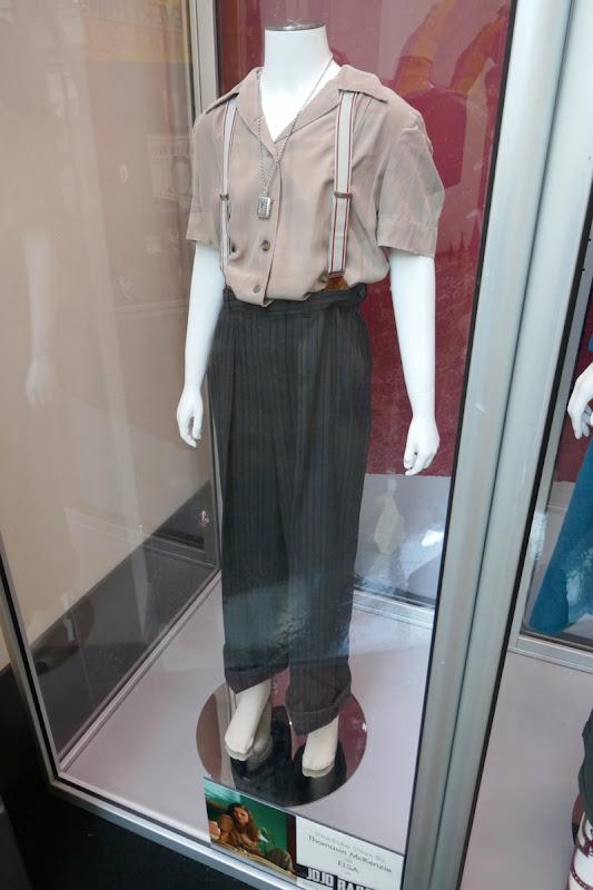 Thomasin Mckenzie Jojo Rabbit Elsa movie costume