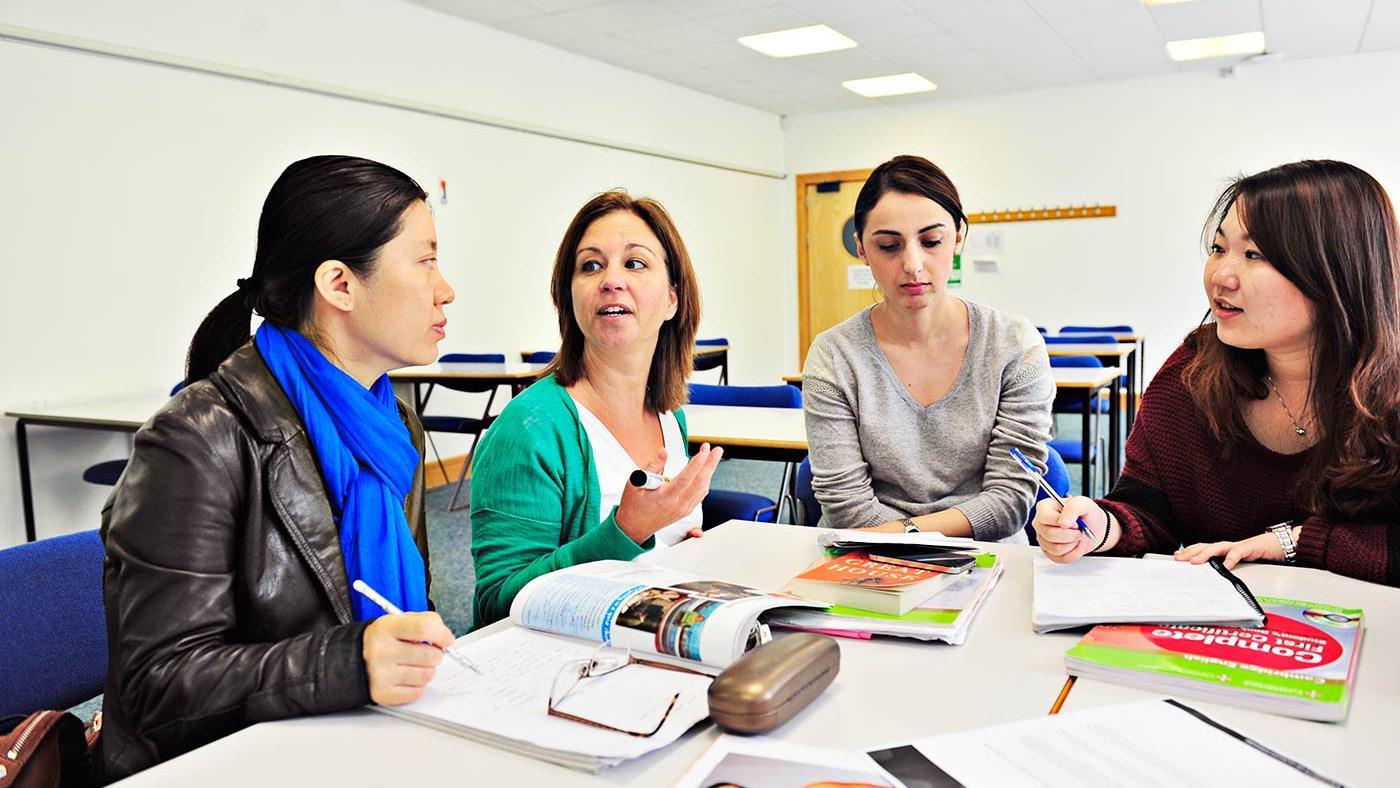 Beberapa Kelas Kursus Bahasa Inggris Anak-anak dari English First