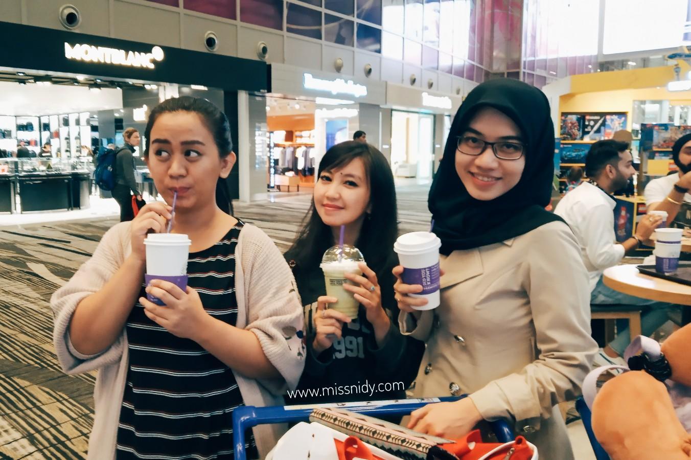 pengalaman transit lama di changi airport singapore