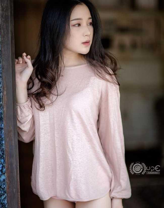 Khác chuẩn đẹp cũ kỹ, cô gái đầy đặn như trăng rằm khiến đàn ông Thái si mê
