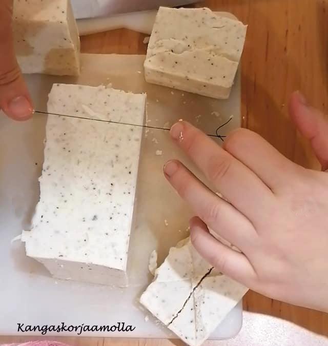 saippua murtuu leikatessa