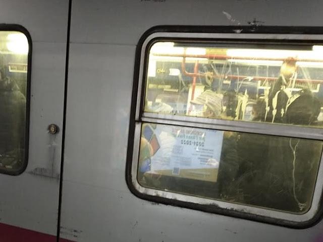 Il distanziamento sociale sulla metro a Roma