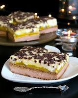 ciasto kakaowe z musem brzoskwiniowym