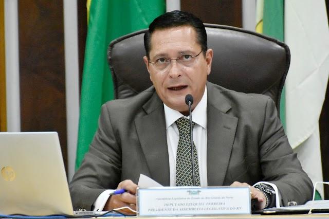 EZEQUIEL PEDE A MINISTROS POTIGUARES QUE DUPLICAÇÃO DA BR-304 SEJA PRIORIDADE