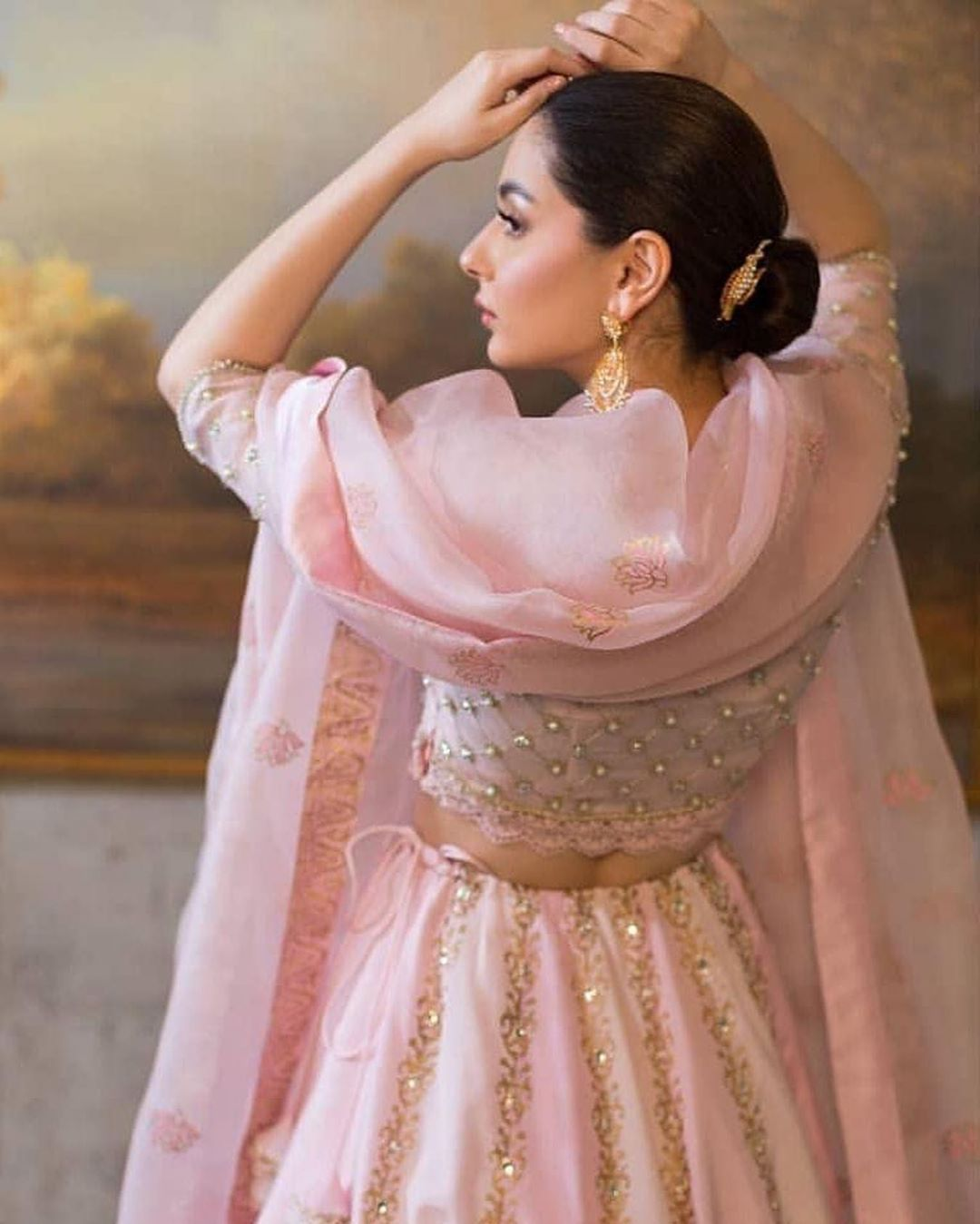 Hania Amir HD Pics Download