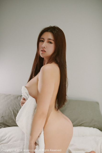 Hot and sexy naked photos of beautiful busty asian hottie chick Chinese booty model Na Lu Selena photo highlights on Pinays Finest sexy nude photo collection site.
