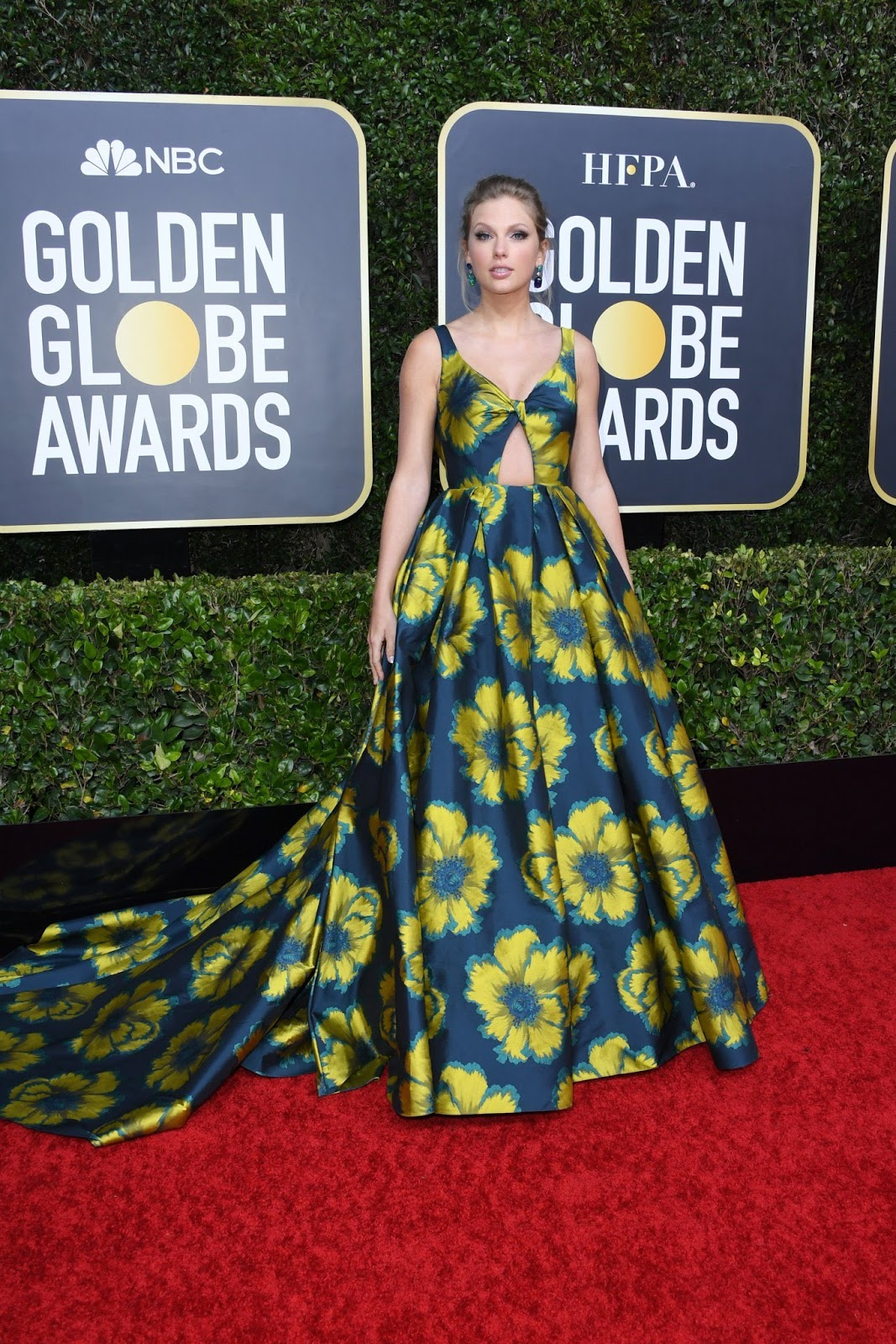 Taylor Swift Looks Gorgeous in a Massive Floral Dress at the 2020 Golden Globes