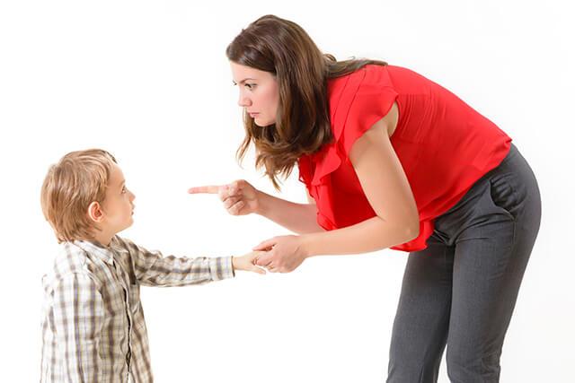 انعكاس كلماتك على طفلك
